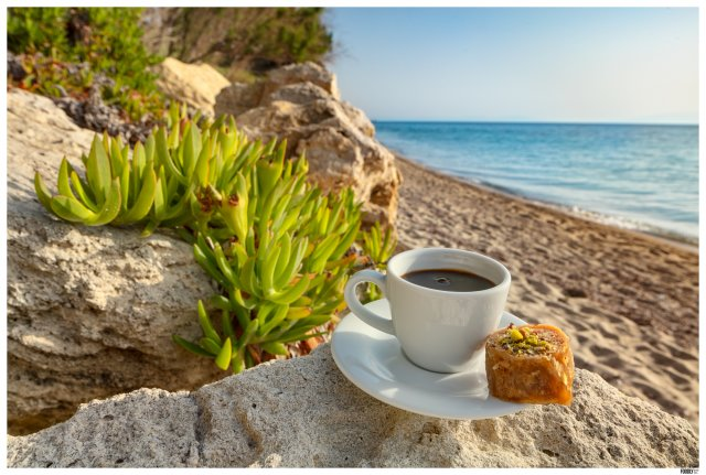 COFFEE AND BAKLAVA AT THE BEACH_FOODLYDOO