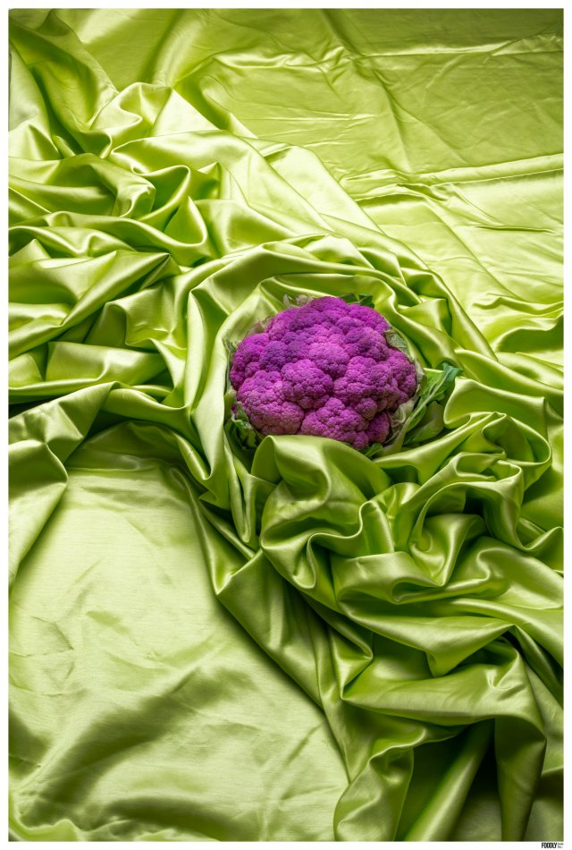 FOODLYDOODLYDOO_CAULIFLOWER ON FABRIC