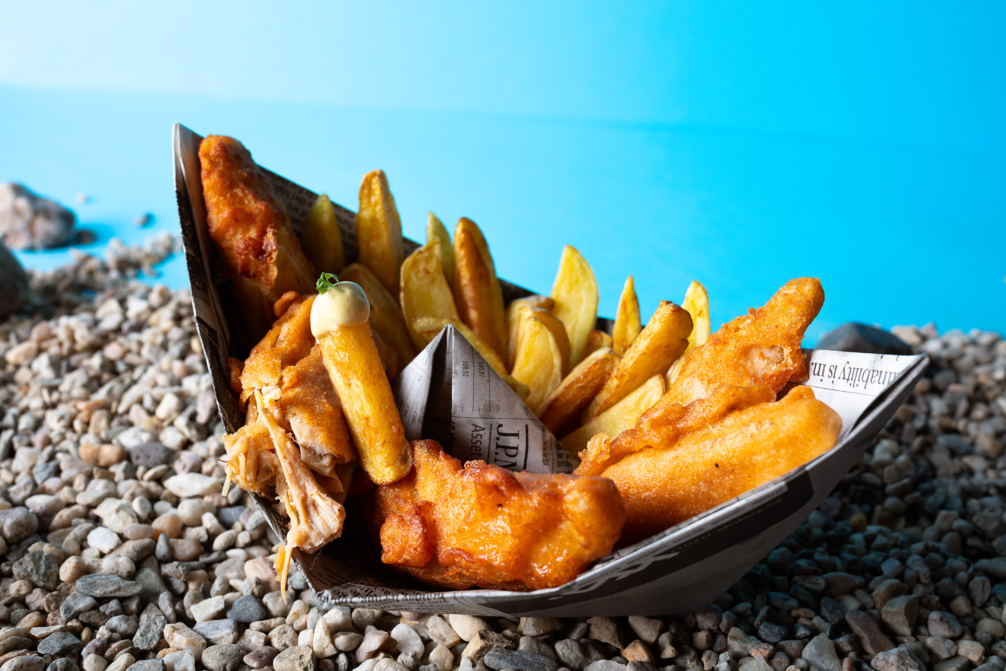 Step by step photo recipe of vegan fish and chips. Ingredients: Banana blossom, seaweed, potatos, salt, beer,black pepper, paprika powder, dill, flour