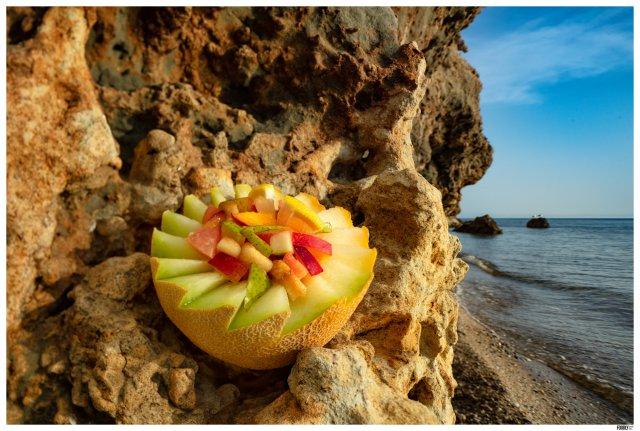 FRUIT SALAD AT THE BEACH_FOODLYDOODLYDOO_